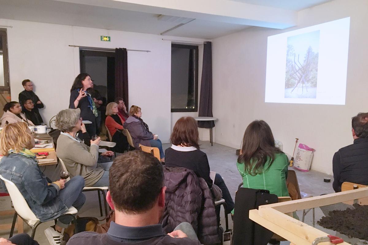Rencontre dans l'atelier de Julia Cottin, accueillie en résidence en 2019